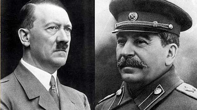 Stalin i Hitler signen el pacte Mólotov-Ribbentrop