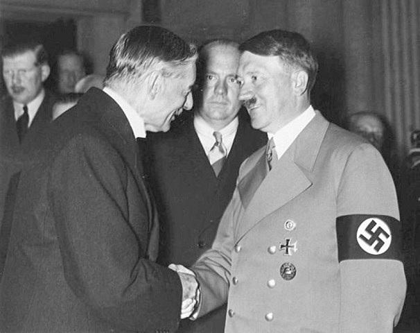 Romania i Hongria s'uneixen a l'Eix Roma-Berlin