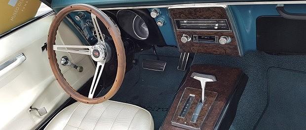 primer auto con cd y radio