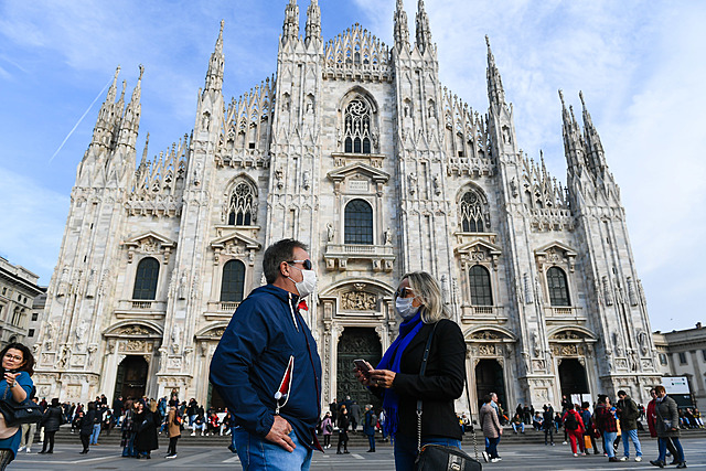 Italy's death toll crosses China's
