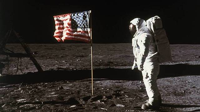 Primer ser humano en pisar la Luna