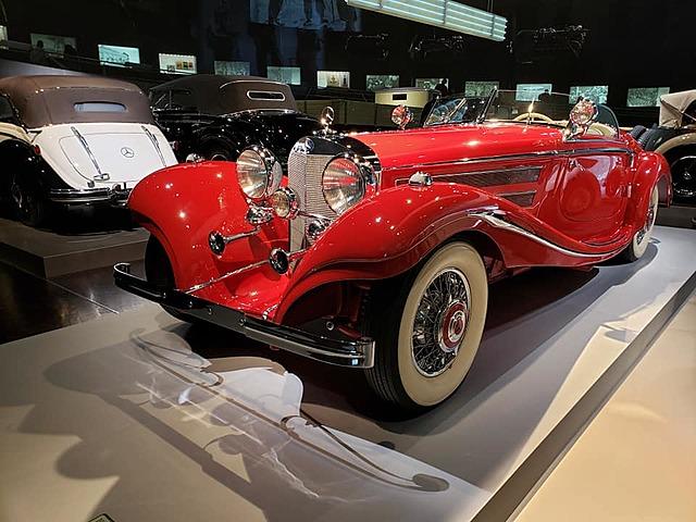 Primer Mercedes-Benz