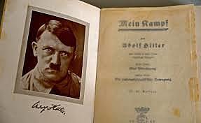 Hitler publica el seu primer llibre