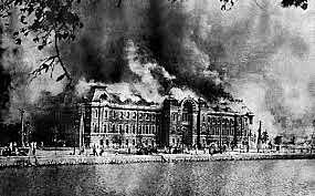 Incendi al parlament alemany