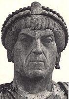 Valentiniano Sube al poder