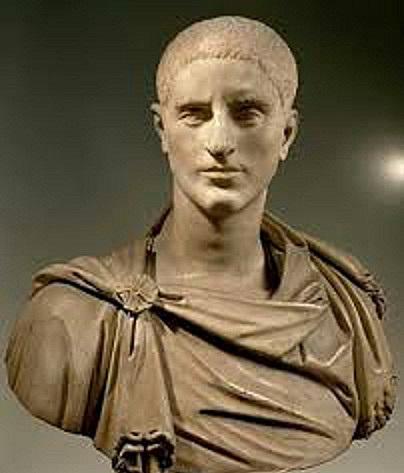 El retorno a Galia de Graciano y el Desafío de Magno Máximo