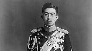 L'emperador Hirohito pren la decisió d'anunciar la rendició del país