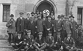 Hitler funda la NSDAP