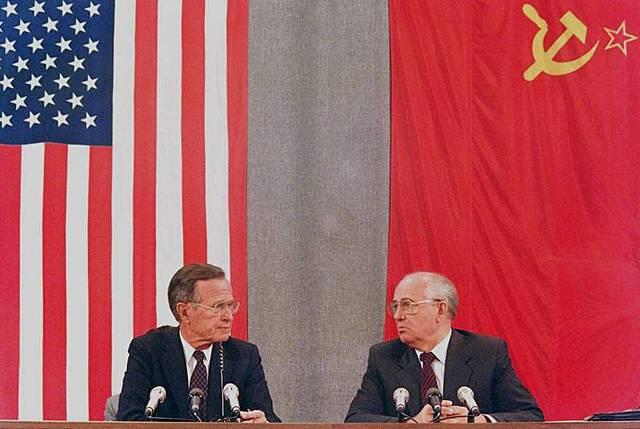 Fin de la Guerra: caída del muro de Berlín (1989) y de la URSS (1991)