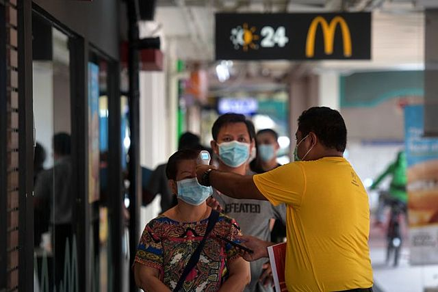 Singapore makes wearing mask compulsory in public places