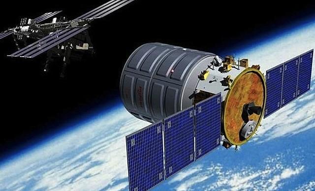 Puesta en órbita de los satélites Morelos I y II.
