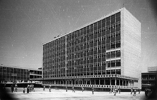 Ignauguración del Centro Médico Nacional.