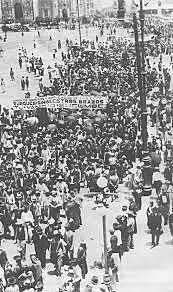 Se realiza el desfile del obrero
