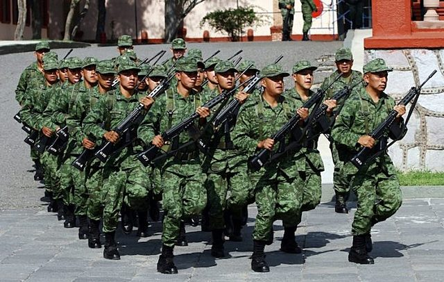 Servicio militar obligatorio.