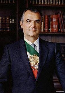 Miguel de la Madrid asume la presidencia de la República para el periodo (1982-1988)-