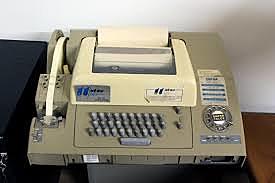 Se inaugura el servicio de comunicaciones (Telex) entre México y Estados Unidos.