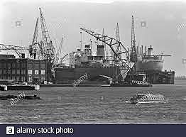 Construcción de los puertos.