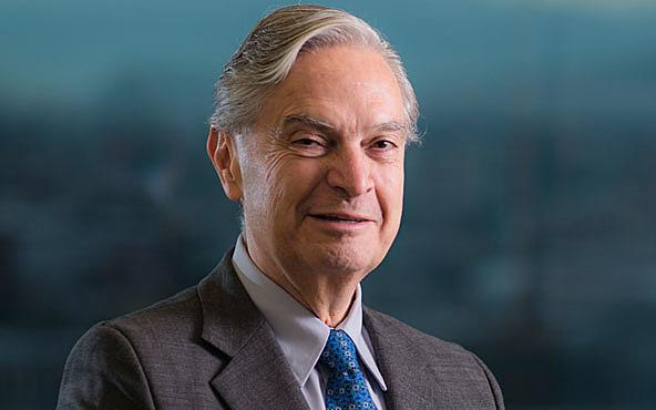 Luis Ernesto Derbez fue designado Secretario de Relaciones Exteriores.