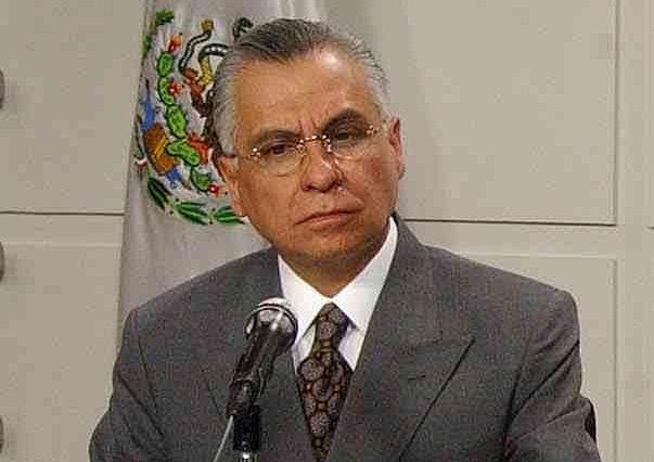 Fox forzó la dimisión del procurador general, Rafael Macedo de la Concha.