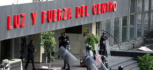 Calderón publicó el decreto de extinción de Luz y Fuerza del Centro,