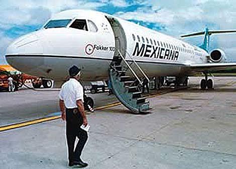 La Mexicana de Aviación suspendió indefinidamente sus vuelos.