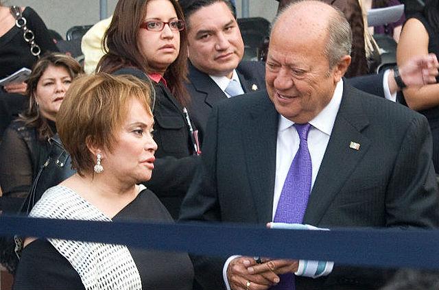 Elba Esther Gordillo y Carlos Romero Deschamps fueron reelegidos al frente de los sindicatos magisterial y petrolero