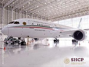 Se anunció que se pondría en rifa el precio del Avión presidencial de México entre 100 ganadores, mediante la lotería nacional.