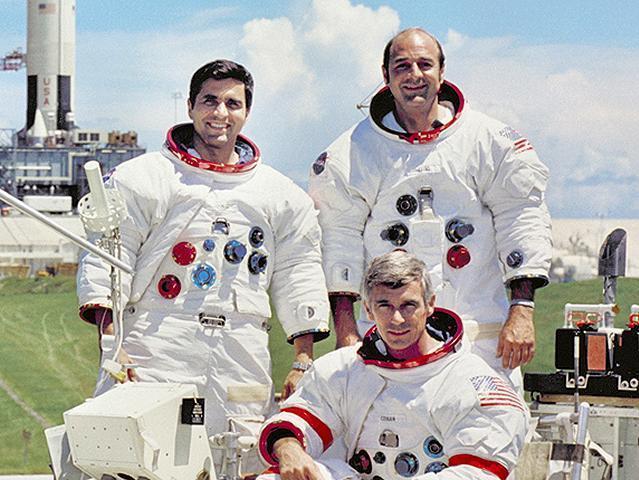 Apollo 17 returns