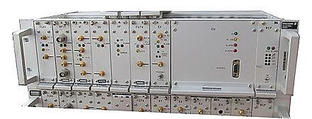 Se desarrollaron sistemas de telefonía en USA y Total Access Comunication System (TACS).