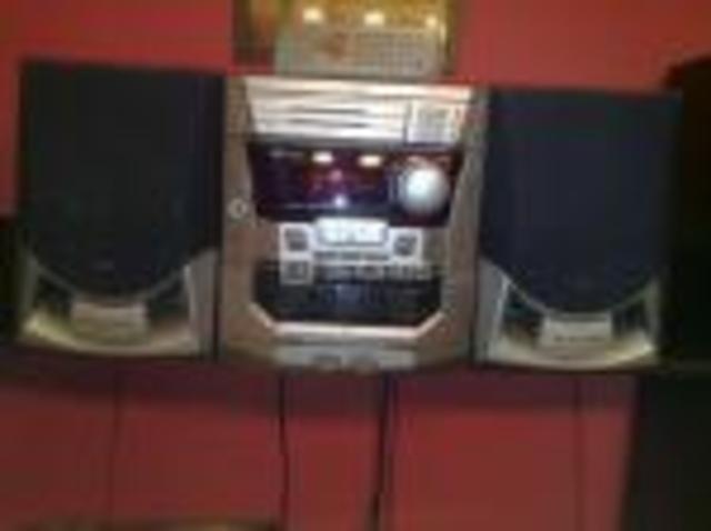 Mi primera minicadena, con radio y CD