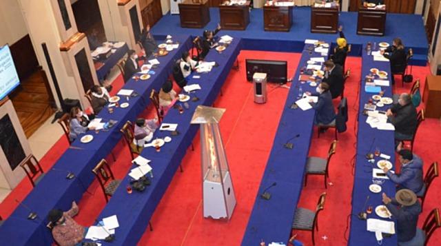 Sancionan ley que posterga elecciones generales hasta el 6 de septiembre y es remitida al Ejecutivo