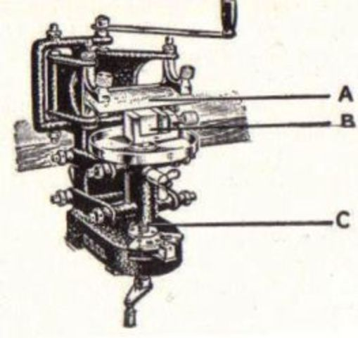 joseph jackson makes a microscopes with multiple lenses