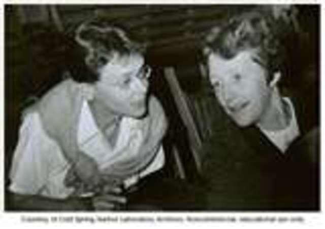 Creighton & McClintock discover chromosomal crossing over