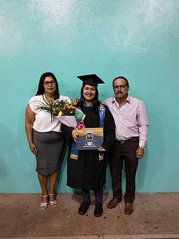 Graduación de bachillerato y Técnico Medio.