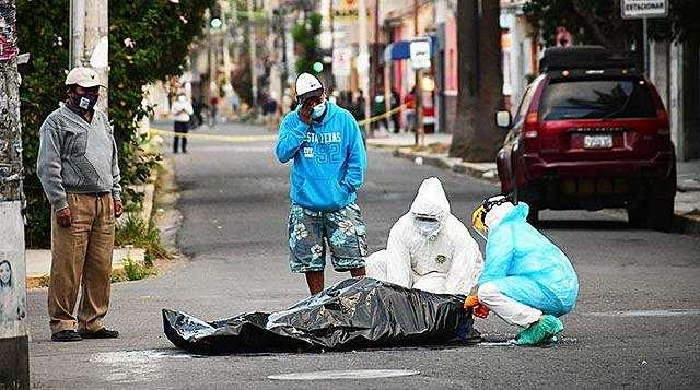 Seis personas mueren en las calles ante la saturación de los hospitales