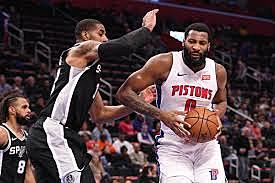 Spurs Beat Pistons