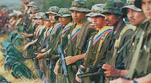 PARAMILITARES VS GUERRILLA POR EL LEGADO DE LA COCA EN COLOMBIA