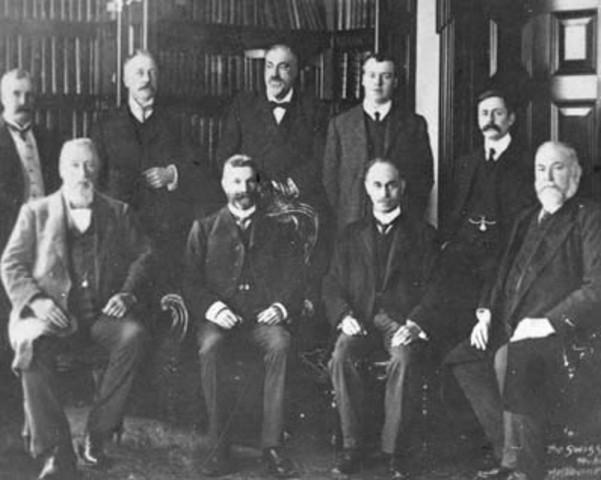 The cabinet sworn in