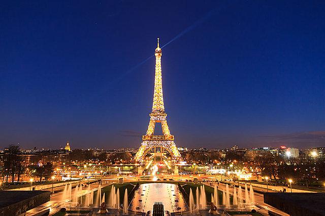 Vuelve a París contra su voluntad