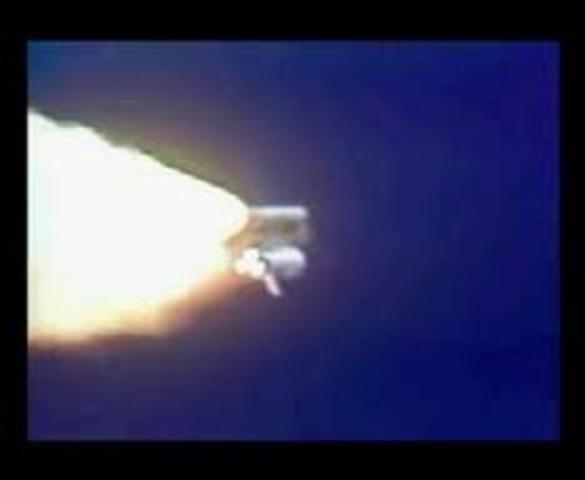 Salyut 7 falls from orbit