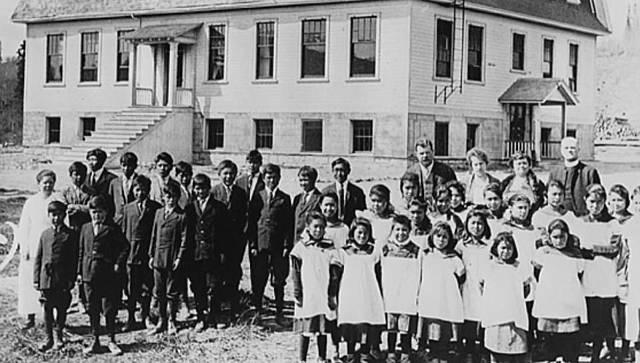 Residential Schools (Social change) (-2)