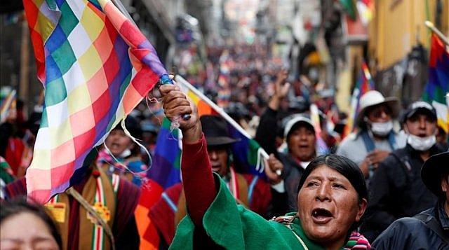 "The end of the ""gasoline stroke"" restores calm to Bolivia"