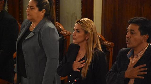 Jeanine Áñez assumes the Presidency of Bolivia