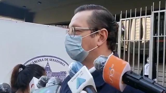 El ministro de Economía, Óscar Ortiz, está en terapia intensiva
