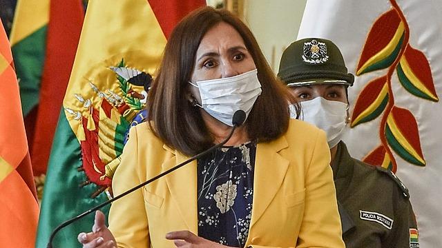 Longaric: Bolivia está entre los primeros países que recibirá la vacuna de Oxford contra el Covid