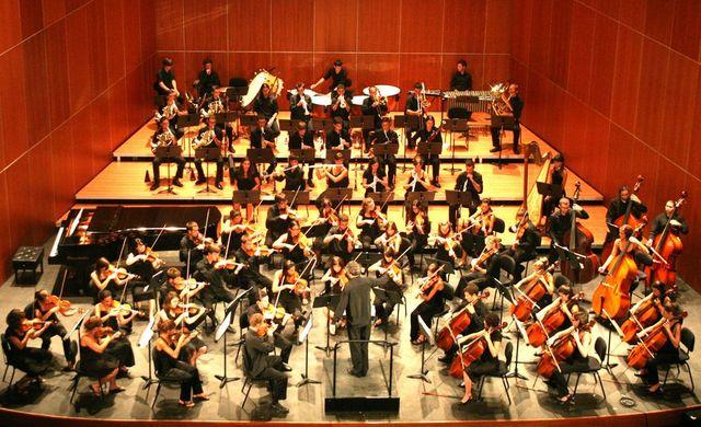 Orquestra del seu poble