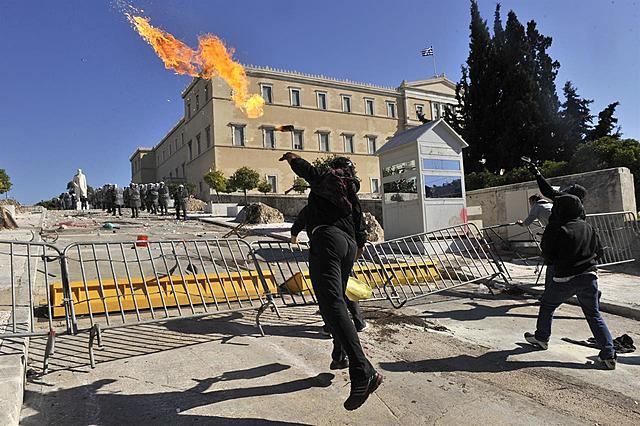 La Grecia è ancora in difficoltà