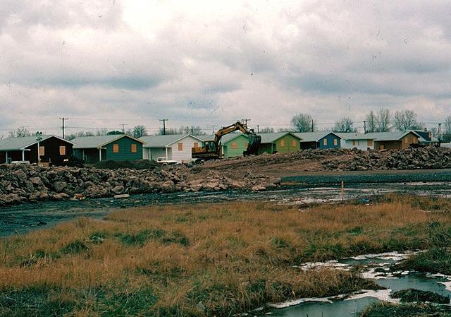 Construcción de el barrio LOVE CANAL
