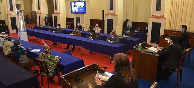 TSE mantiene la fecha de la elección y la COB seguirá con las movilizaciones