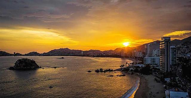 Primer puerto turístico internacional